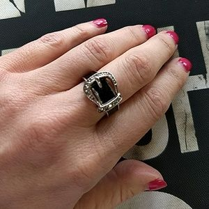 Jewelry - Silver and Black Buckle Ring Sz 6